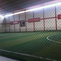 Das Foto wurde bei KutaMandiri Futsal von Muhamad R. am 12/27/2012 aufgenommen