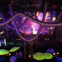 Foto tomada en Discoteca Mae West por Fernando K. el 5/18/2013