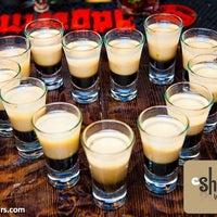 Снимок сделан в Shishas Lounge Bar пользователем Pavel V. 9/14/2012