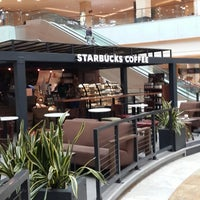 Снимок сделан в Starbucks пользователем Aliona A. 9/1/2013