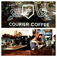 Photo prise au Courier Coffee par Kazz C. le5/24/2013