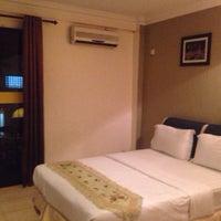 Photo taken at Maya Hotel by cheok weng k. on 10/28/2014
