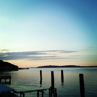 Photo prise au Alki Beach Path par Brian S. le7/8/2013