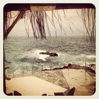 Foto tirada no(a) Konyaaltı Plajı por Serkan O. em 3/15/2013