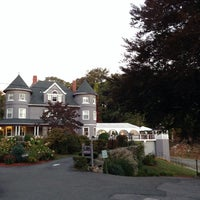 Photo taken at Castle Manor Inn by Karolina S. on 9/27/2014