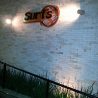 Photo taken at Surf's Pizzaria & Restaurante by Romulo S. on 11/4/2012
