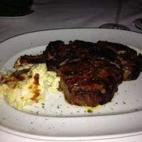 Das Foto wurde bei Mastro's Steakhouse von Pratana A. am 10/31/2012 aufgenommen
