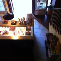 Foto tomada en Cremeria Toscana por Marina C. el 10/21/2012