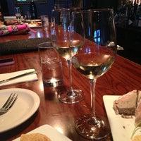 Foto scattata a Webster's Wine Bar da Katie C. il 8/6/2013