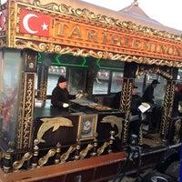 2/2/2013 tarihinde Kadir K.ziyaretçi tarafından Tarihi Eminönü Balık Ekmek'de çekilen fotoğraf