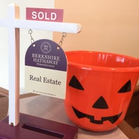 Photo taken at Berkshire Hathaway HomeServices Verani Realty by Monika M. on 10/25/2016