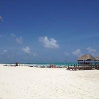 Foto tomada en Playa Maroma por Oscar L. el 5/19/2013