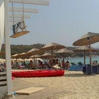 Photo taken at Kοχύλι Beach Bar by Alex S. on 8/17/2013
