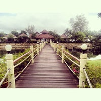 Photo taken at Coconut Beach Resort Koh Chang by Галина И. on 6/26/2013