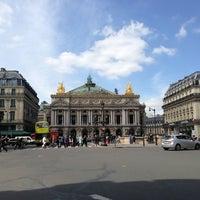 Foto tirada no(a) Place de l'Opéra por Mike em 6/3/2013