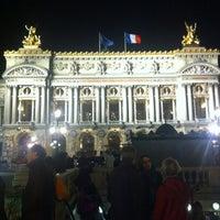 Foto tirada no(a) Place de l'Opéra por Mike em 11/3/2012