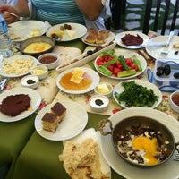 9/30/2012 tarihinde Eser A.ziyaretçi tarafından Zeytindalı Kahvaltı Evi'de çekilen fotoğraf