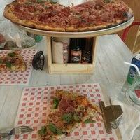 Foto tomada en Pizza Rústica por Paula A. el 9/17/2014