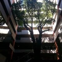 Foto tomada en Universidad Autónoma de Asunción por Alan O. el 9/10/2013