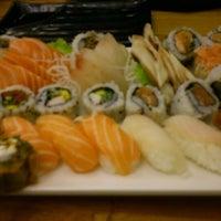 Foto tirada no(a) Flying Sushi por Thiago A. em 10/14/2012