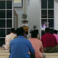 Photo taken at Masjid al-Khalifah by Nik F. on 11/16/2012