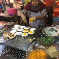 Photo taken at ตลาดนัด บขส. อรัญฯ by เรืองเดช ไ. on 12/2/2017