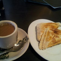 Photo taken at PappaRich by Farah D. on 12/4/2012