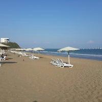 Photo taken at BOTAŞ Plajı by Kenan K. on 8/23/2013