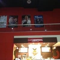 Foto tomada en Cinemex por Ernesto M. el 2/4/2013
