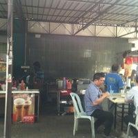 Photo taken at kedai panjang manjalara Celah LAL Engenering by Helmet H. on 1/14/2013