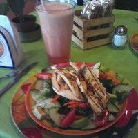 Photo taken at Zumo y Sazón by Valeria V. on 12/3/2012