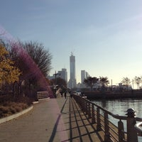 Photo prise au Hudson River Park par Erin L. le11/22/2012