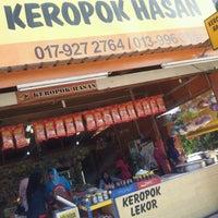 Photo taken at Gerai Keropok Lekor Hassan by Hani T. on 10/28/2012