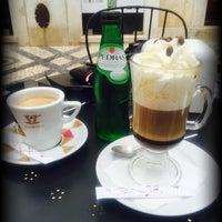 Foto tirada no(a) Baixa Caffé por Claudia I. em 8/15/2016