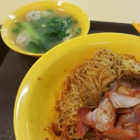 Photo taken at Tanjong Rhu Wanton Noodle by Nigel C. on 8/9/2017