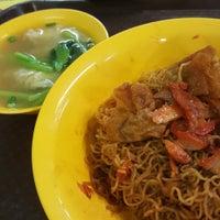 Photo taken at Tanjong Rhu Wanton Noodle by Nigel C. on 6/27/2017