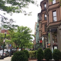 Photo taken at Newbury Street by Taisa V. on 5/25/2014