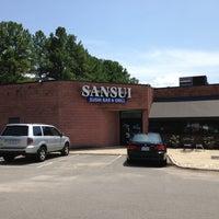 Photo prise au Sansui Sushi Bar & Grill par Fabrienne A. le8/2/2013