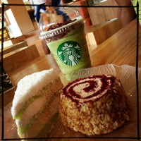 Photo taken at Starbucks by Liziana A. on 6/24/2013