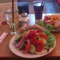 Das Foto wurde bei Cafe MAY von Marijel M. am 9/23/2012 aufgenommen