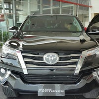 Photo taken at Toyota Auto 2000 by nautyq w. on 2/7/2016