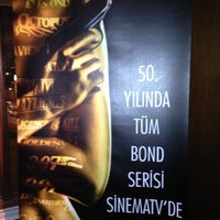รูปภาพถ่ายที่ W Lounge โดย Ben Ç. เมื่อ 12/17/2012