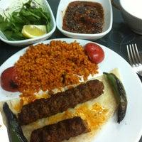 11/23/2012 tarihinde Murat G.ziyaretçi tarafından Şanlıurfa ZAMAN Kebap Salonu'de çekilen fotoğraf