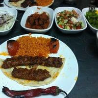 12/23/2012 tarihinde Murat G.ziyaretçi tarafından Şanlıurfa ZAMAN Kebap Salonu'de çekilen fotoğraf