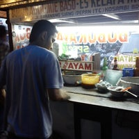 Photo taken at Bubur Ayam Special BEJO by arie s. on 12/21/2013