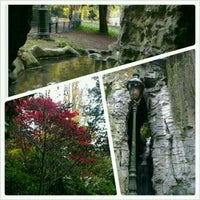 Foto tirada no(a) Parc des Buttes-Chaumont por Inci em 11/11/2012