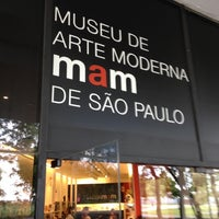 Foto tirada no(a) Museu de Arte Moderna de São Paulo (MAM-SP) por Alex G. em 11/16/2012