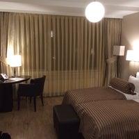 Photo taken at Hotel Vier Jahreszeiten by Roman J. on 2/1/2014