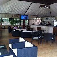 รูปภาพถ่ายที่ City Club Restaurant โดย Fraser W. เมื่อ 5/30/2013