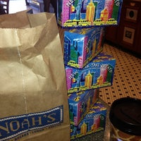 Photo taken at Noah's Bagels by Mary Rose P. on 11/16/2013